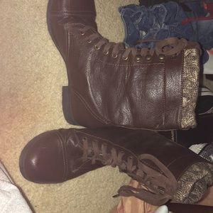 Shoes - super cute combat boots!